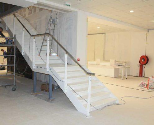 Escalier-acier-et-verre